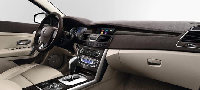RENAULT LATITUDE  www.e-motoring.com