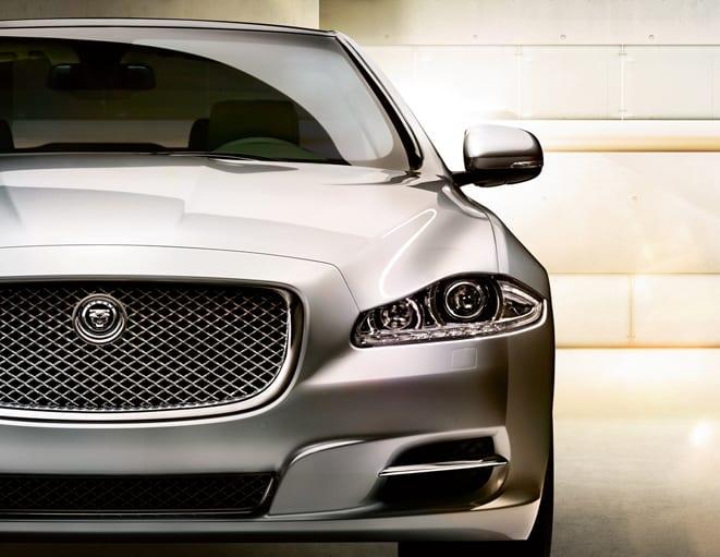 Sınıfında bir ilk: Jaguar XJ şimdi 2.0 litre!