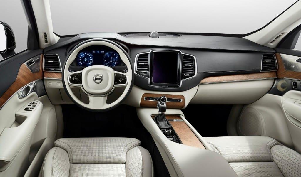 Volvo XC90 www.e-motoring.com