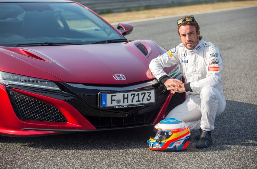 Yeni NSX'in limitlerini Alonso zorladı