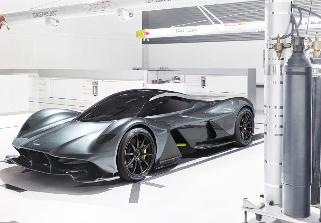 Aston_Martin_Valkyrie_Michelin
