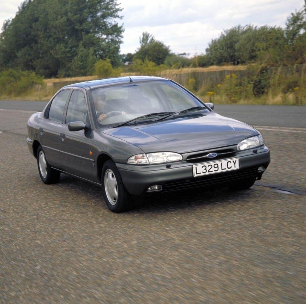 1993- Mondeo Ghia www.e-motoring.com