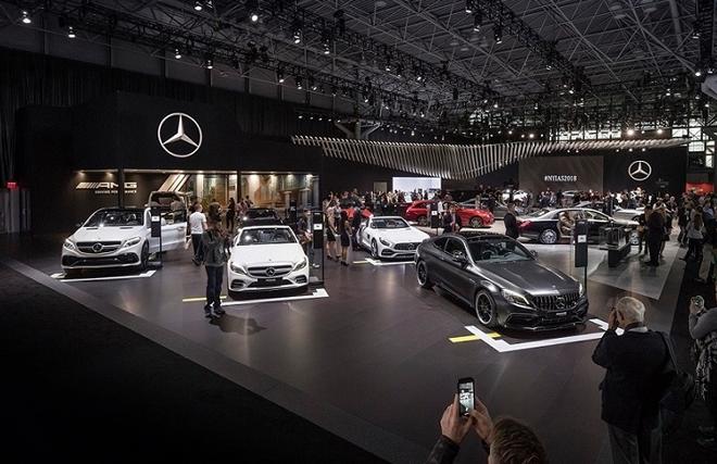New York'ta Mercedes-Benz gösterisi