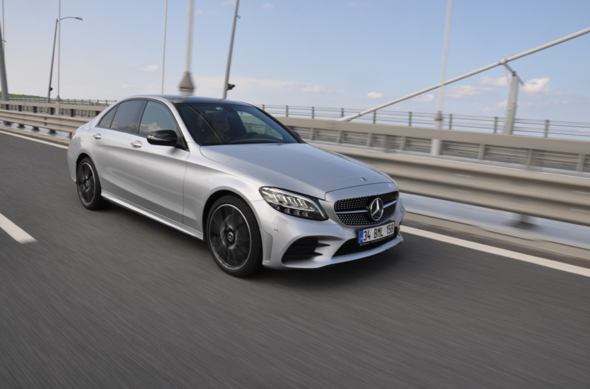 Mercedes-Benz C200 4MATIC AMG