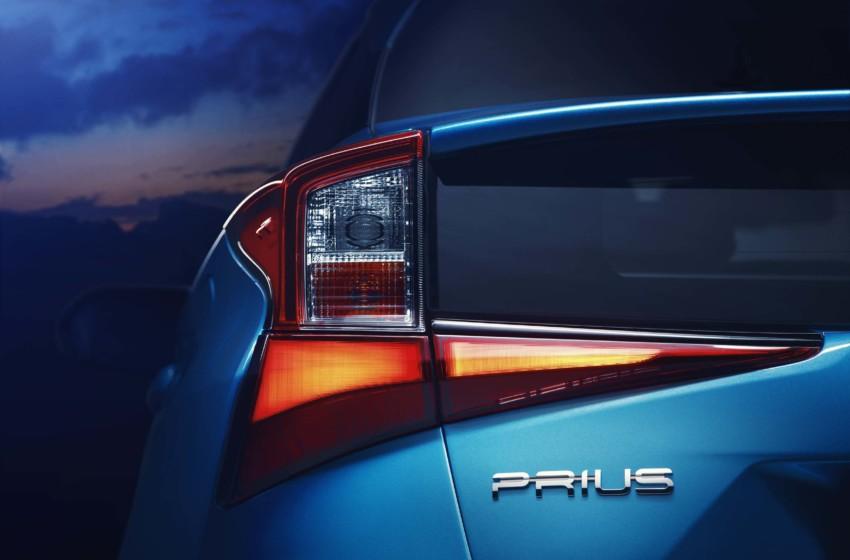 Yeni Prius'un örtüsü Los Angeles'da kaldırıldı