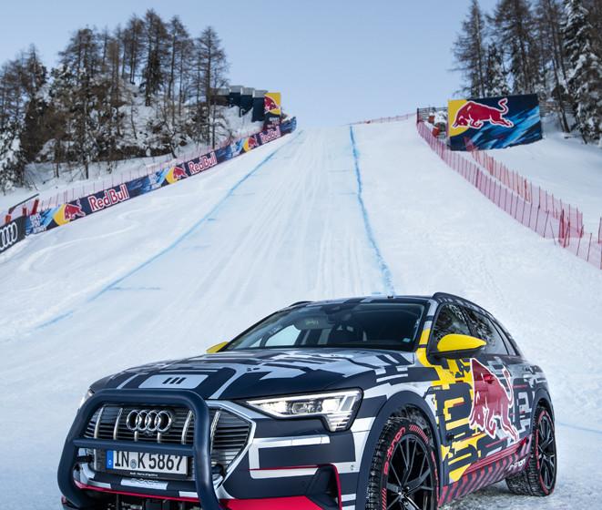 Audi e-tron efsanevi yamacı yendi
