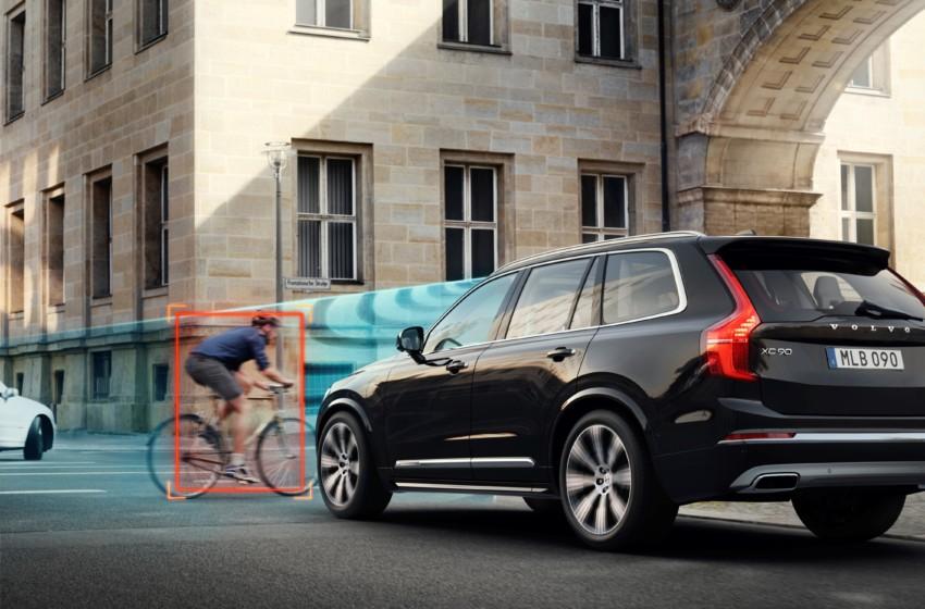 Volvo Cars ve POC'tan dünyanın ilk otomobil ile bisiklet kaskı çarpışma testi