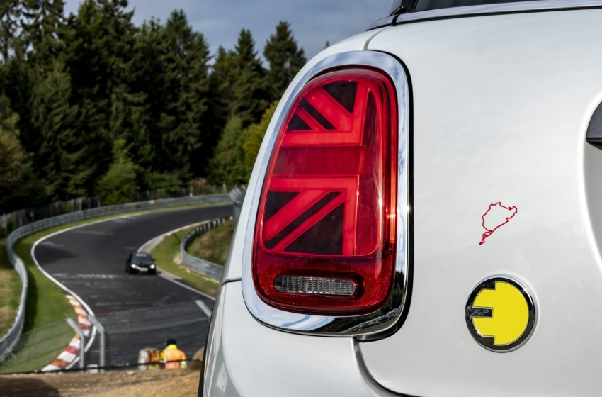 MINI Electric Nürburgring'de tam gaz
