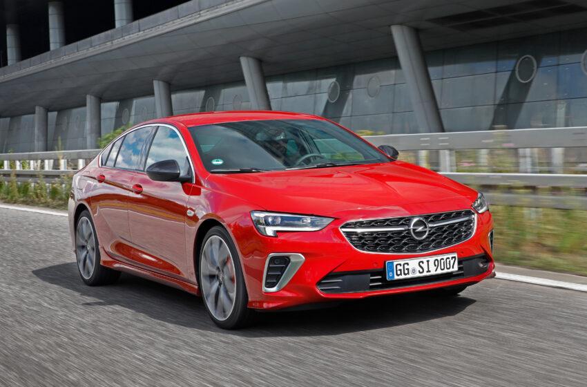 Opel, makyajlı Insignia'da yine farlardan yürüyor