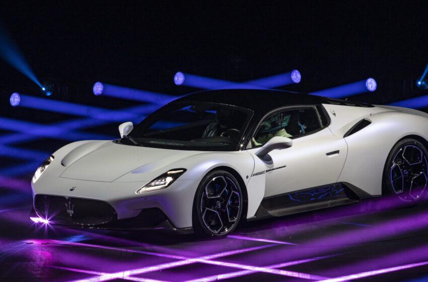 """Maserati MC20,  Çin'de """"Yılın Performans Otomobili"""" seçildi"""