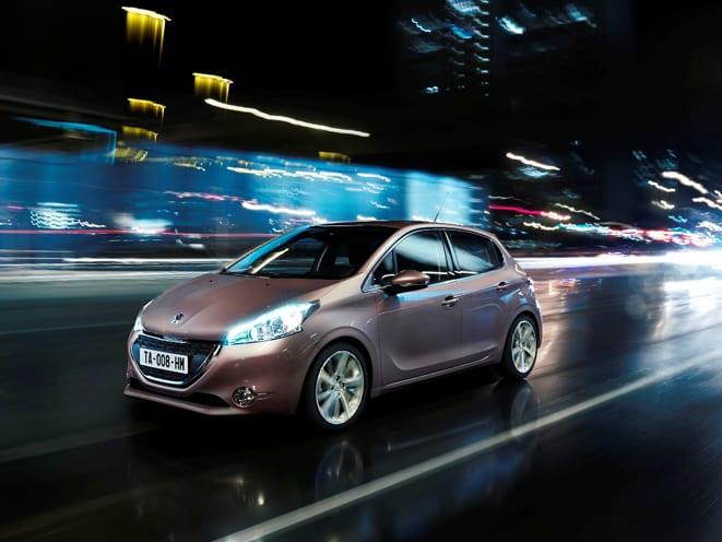 Peugeot 208 çağ atlatmaya soyunuyor