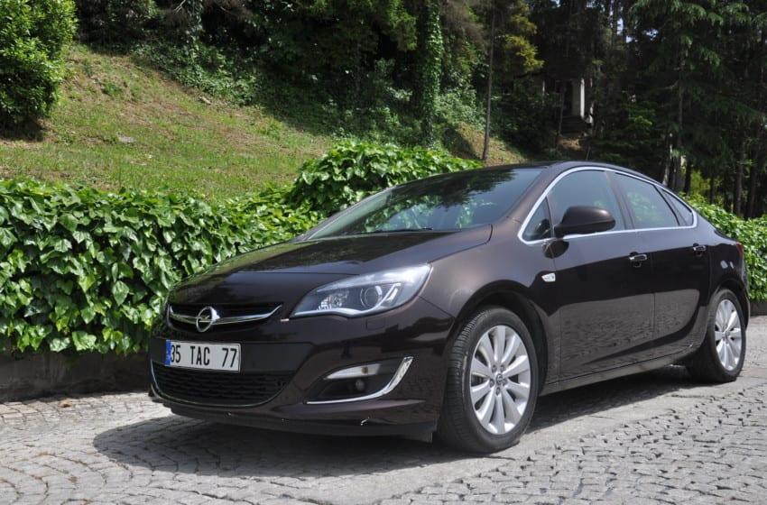 Opel Astra Sedan 1.3 CDTI