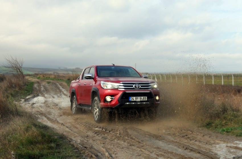Toyota Hilux 2.4L D-4D