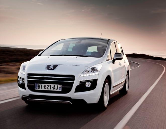 Peugeot HYbrid4'e Altın Direksiyon ödülü