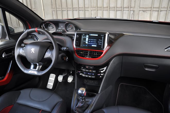 Peugeot 208 GTI www.e-motoring.com