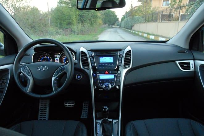 Hyundai i30 CW www.e-motoring.com