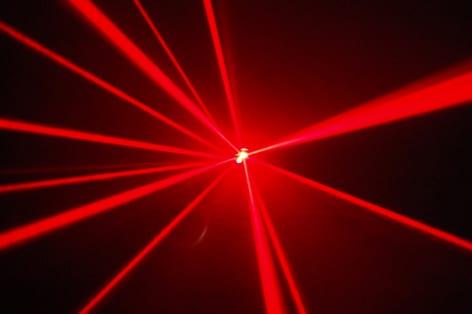 Laser farlar geliyor