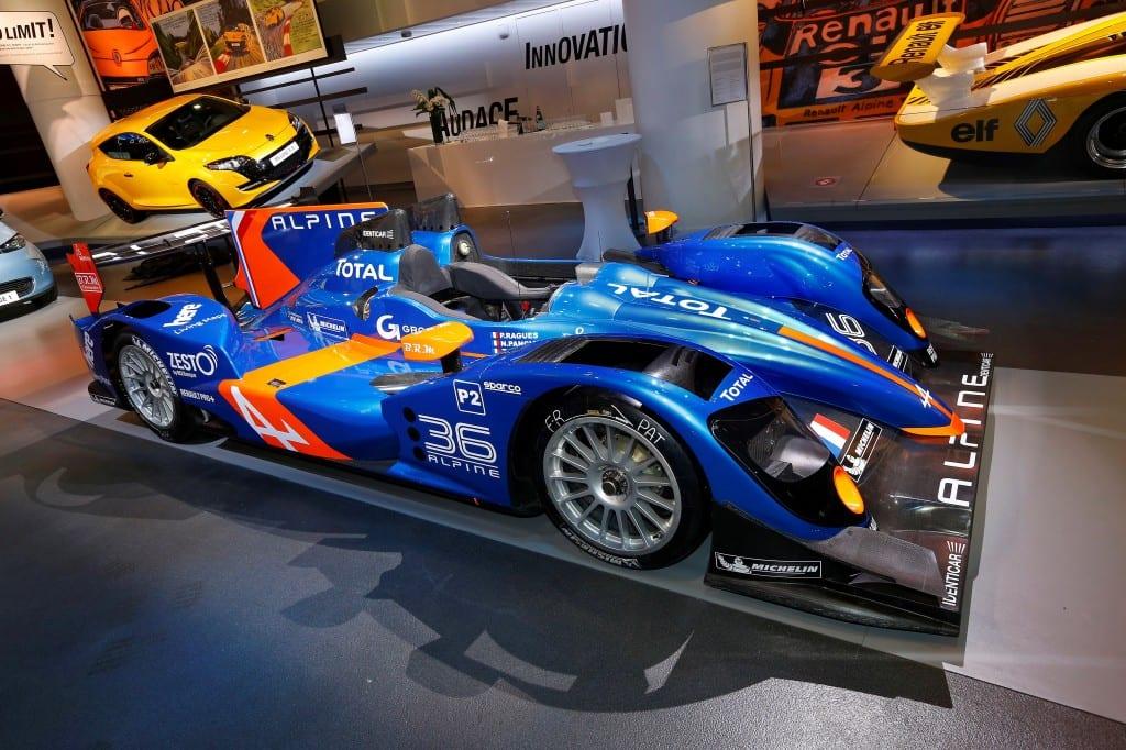Alpine www.e-motoring.com