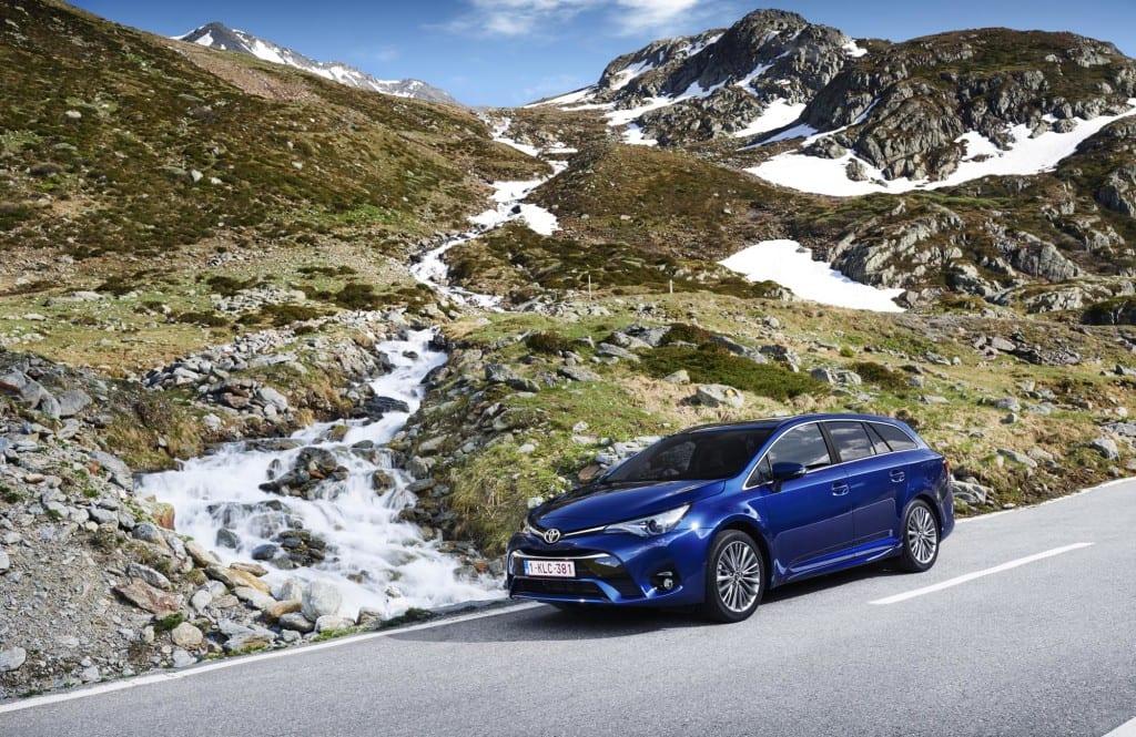 Toyota Avensis www.e-motoring.com