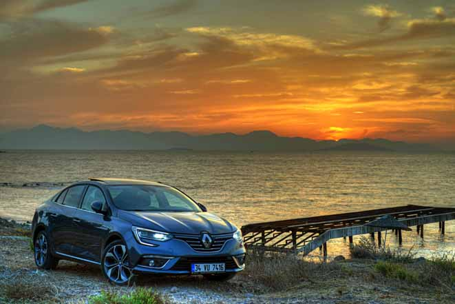 Efsane geri döndü: Yeni Megane Sedan piyasaya çıkıyor