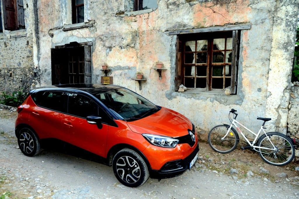 Renault Captur www.e-motoring.com