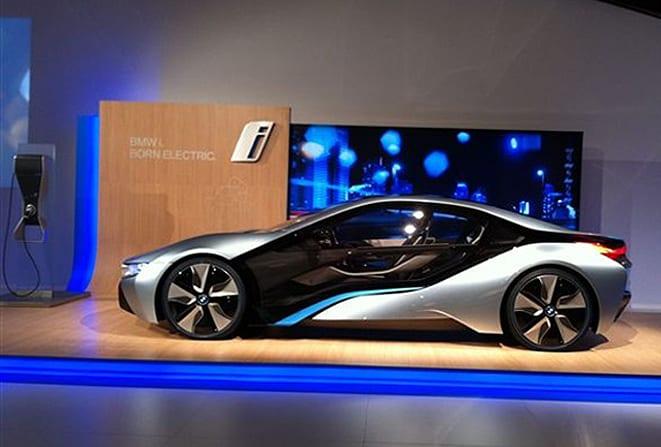 VIDEO BMW i8