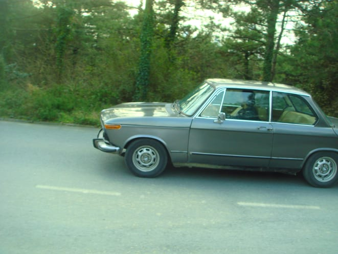 BMW 1502 (1975)