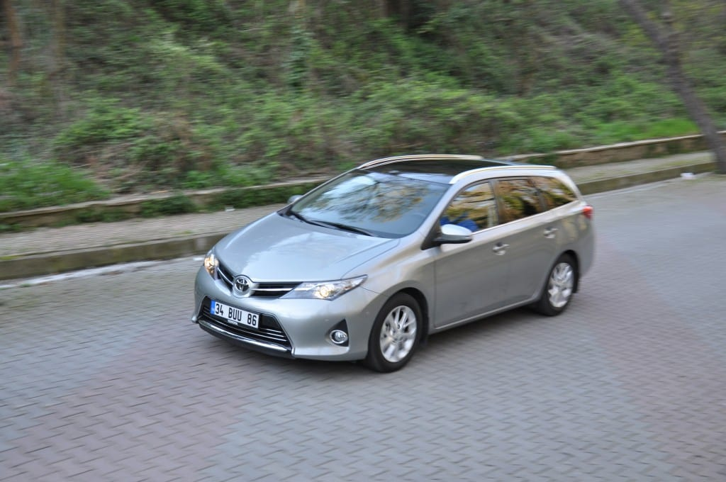 Toyota Auris Touring Sports 1.6 Multidrive S www.e-motoring.com