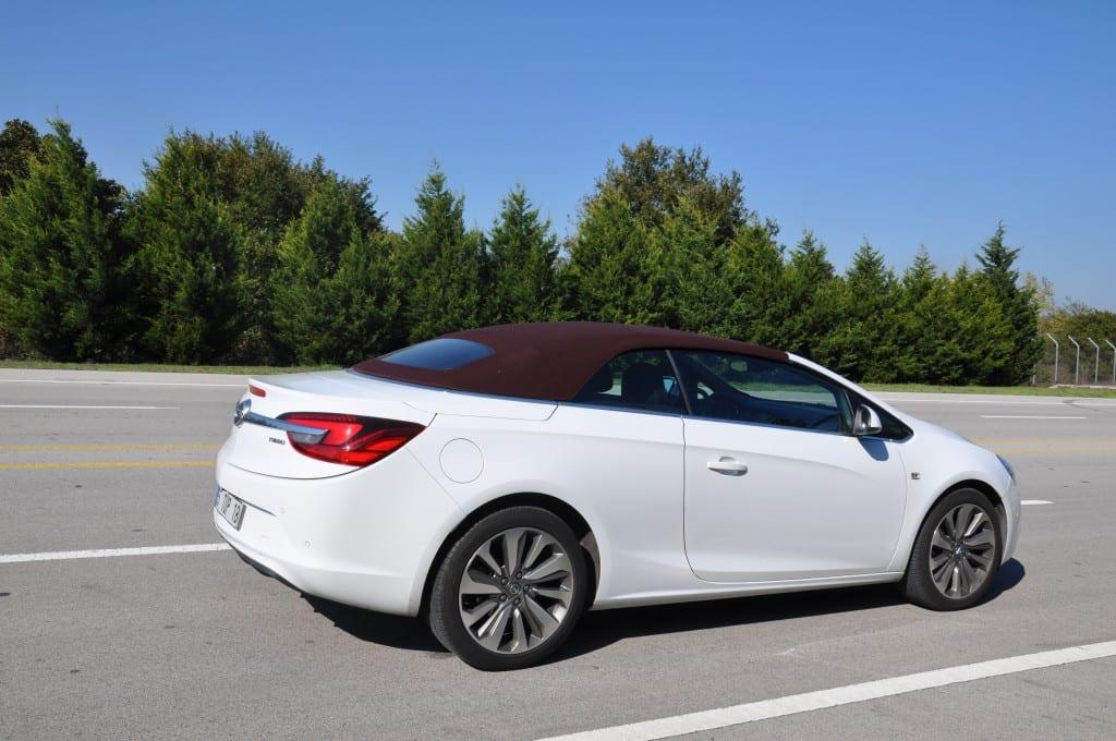 Opel Cascada 1.6 SIDI Turbo ECOTEC www.e-motoring.com