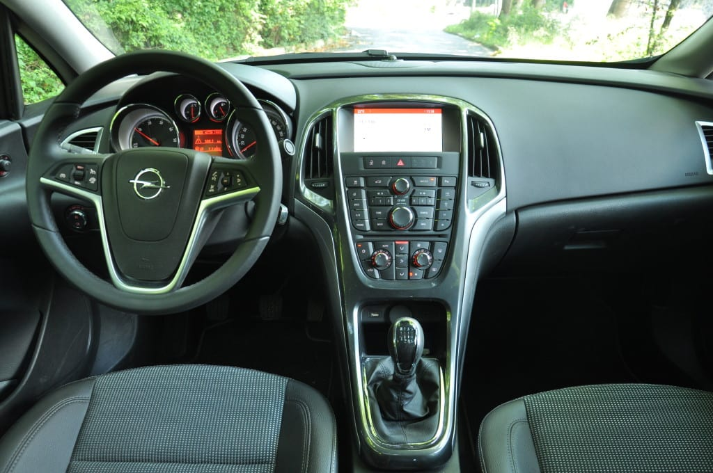 Opel Astra 1.6 CDTi www.e-motoring.com