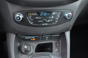 Ford Tourneo Courier 1.6 TDCi www.e-motoring.com