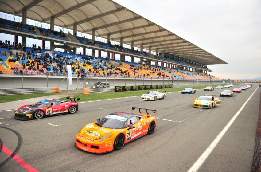 İstanbul Park'tan Ferrariler geçti