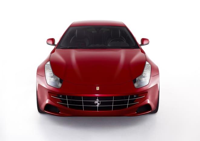 Ferrari Four! Dört tekerlekten çekiş, dört koltuk, koskocaman bir bagaj!
