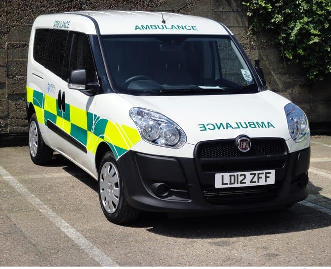 Bursalı Fiat Doblo, İngiltere'de ambulans oldu