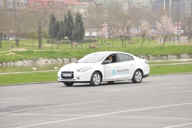 Elektrikli Renault'lar İstanbul yollarında