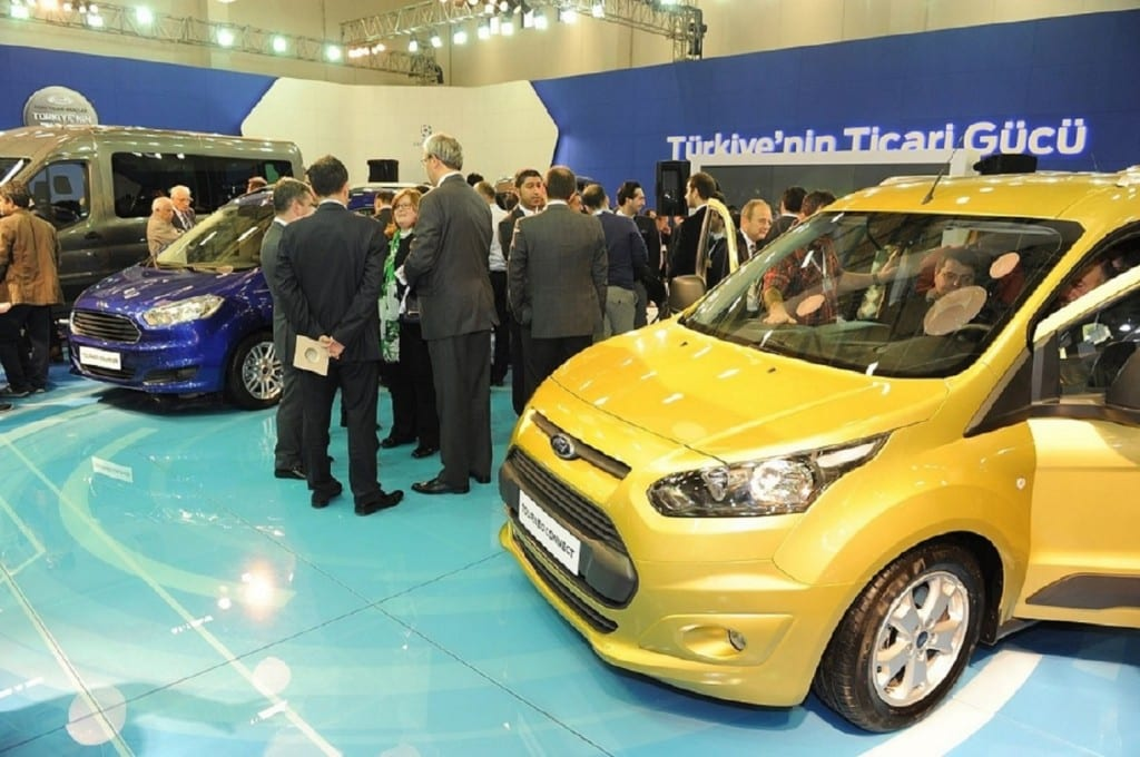 Ford_Tourneo_Connect www.e-motoring.com