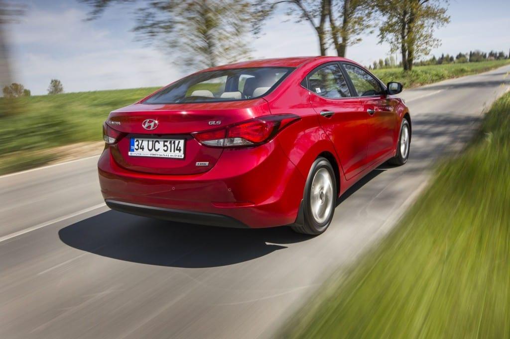 Hyundai Elantra www.e-motoring.com