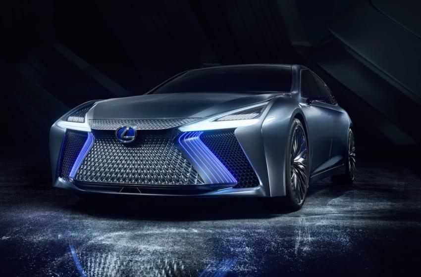 Lexus yeni otonom teknolojilerini tanıttı