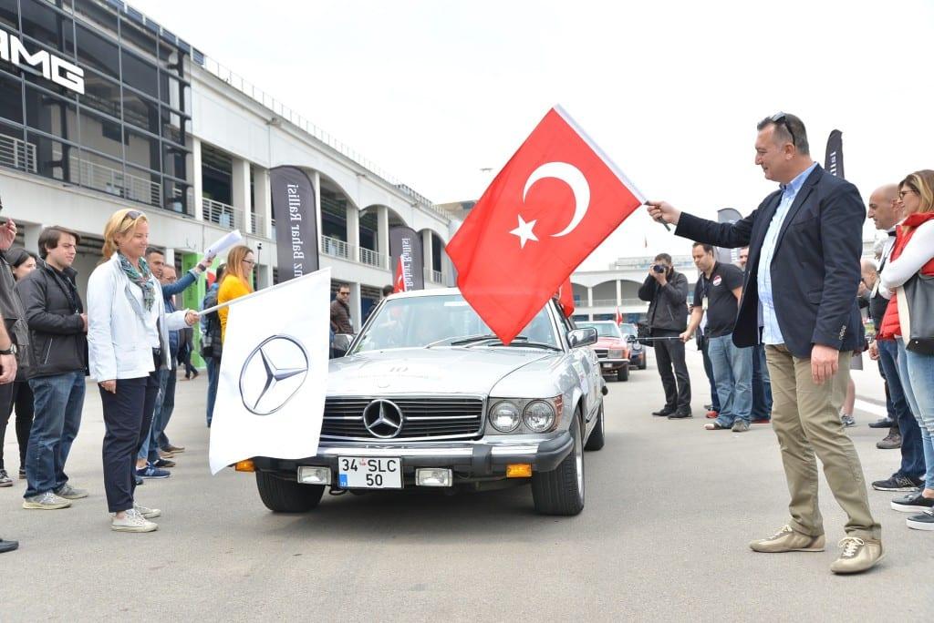 Mercedes-Benz Turk CEO Britta Seeger ve Otomobil Grubu Pazarlama ve Satis Muduru Sukru Bekdikhan