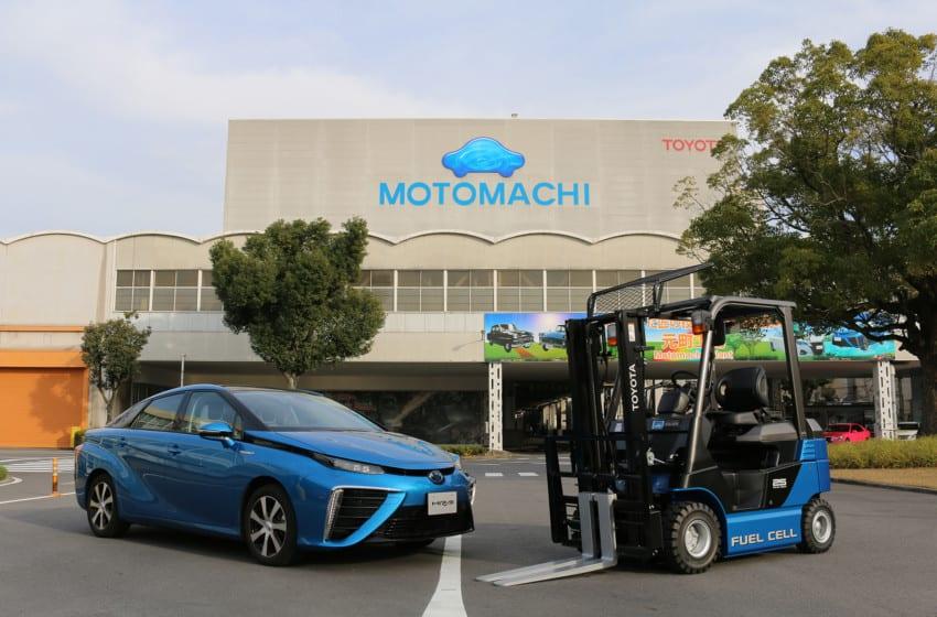Toyota hidrojen yakıt hücreli forklift kullanıyor
