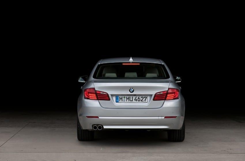 Makyajlı BMW 520i 1.6 lt motorla Türkiye'de