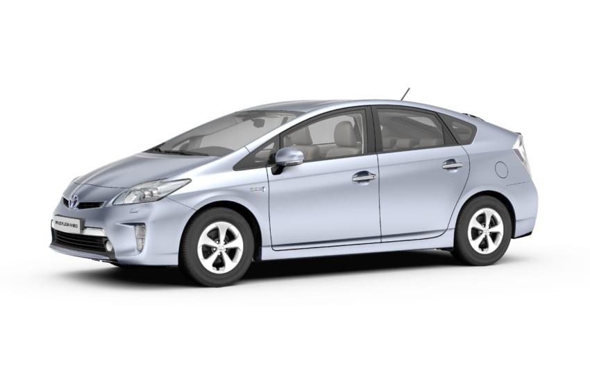 Toyota Prius Plug-in Hybrid'in örtüsü Frankfurt'ta açılıyor