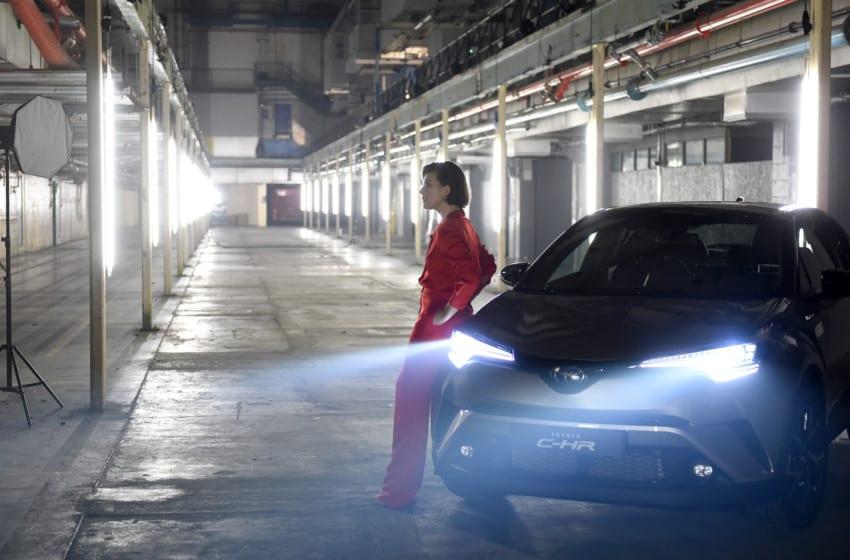Toyota ve Jovovich'ten C-HR için özel etkinlik