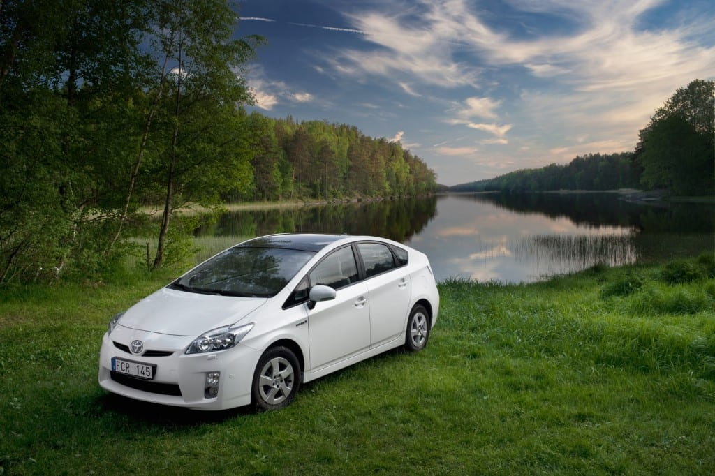 Toyota Prius www.e-motoring.com