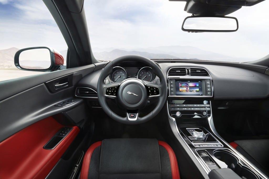 Yeni Jaguar XE - 3-1