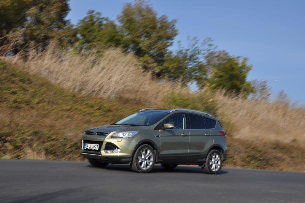 Ford Kuga www.e-motoring.com