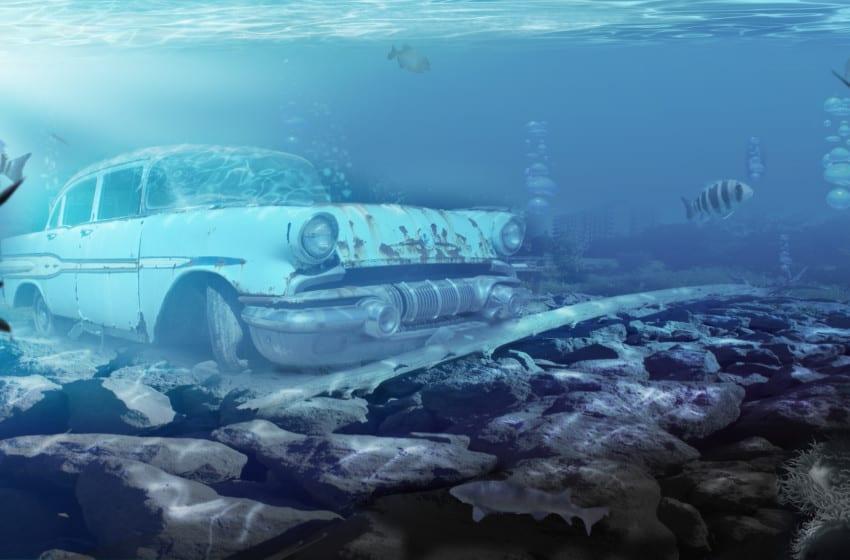 Suya düşen otomobilden nasıl canlı çıkılır?