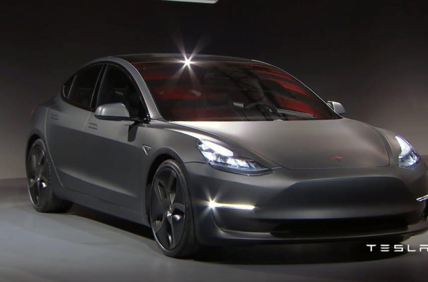 Tesla'nın yeni modeline sipariş patlaması