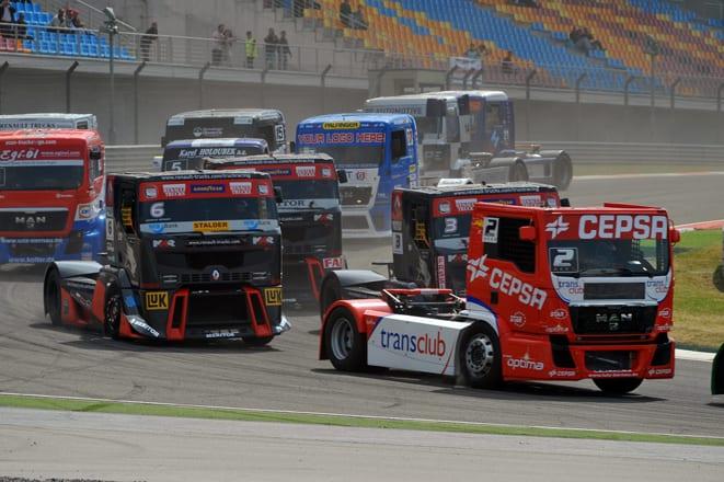 """""""Kamyon egemen"""" ülkede az seyircili kamyon yarışları!"""